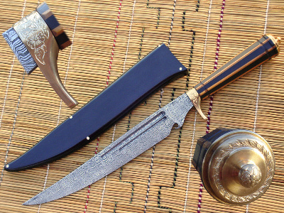 Persian dagger, damascus & engraving by Kevin Harvey
